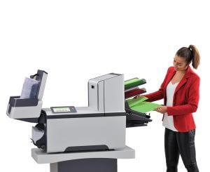 Simple d'utilisation, chargez vos documents, vos enveloppes et appuyez sur Start sur l'AUTO PLIS V4